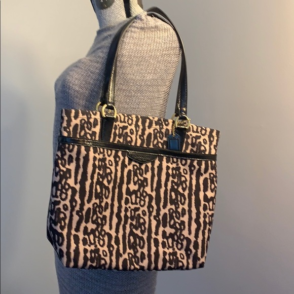 Coach Handbags - Coach leopard 🐆 shoulder bag 🐆